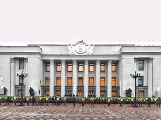 Порошенко договорился обавиасообщении Украины состровным государством